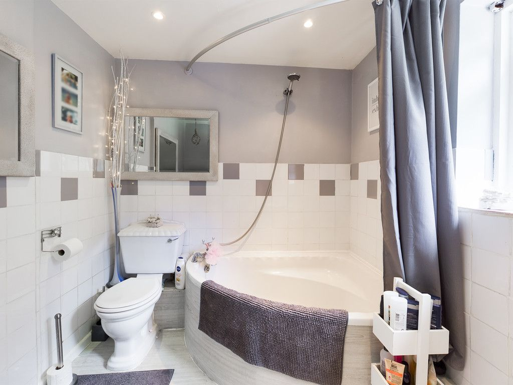 4 bed house for sale  - Property Image 18