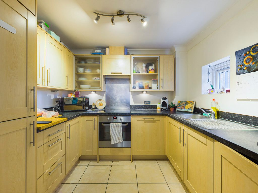2 bed flat for sale in St Johns View, West End Road 2