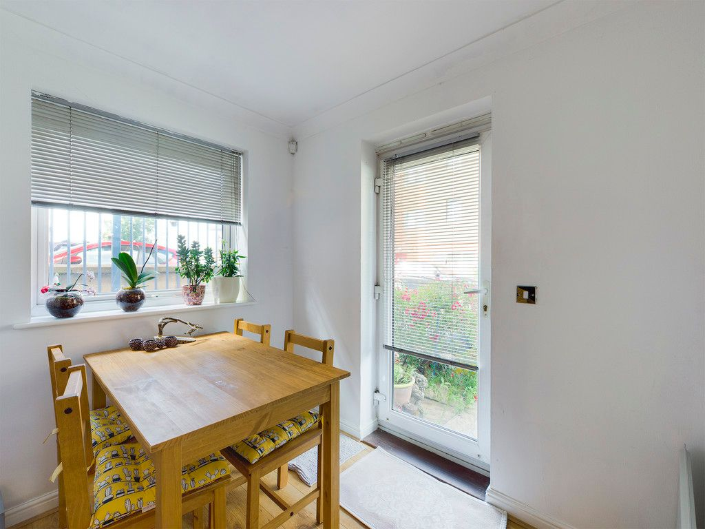 2 bed flat for sale in St Johns View, West End Road 4