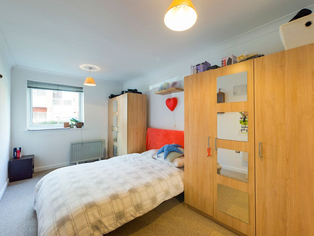 2 bed flat for sale in St Johns View, West End Road 5