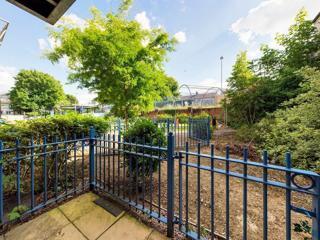 2 bed flat for sale in St Johns View, West End Road 6