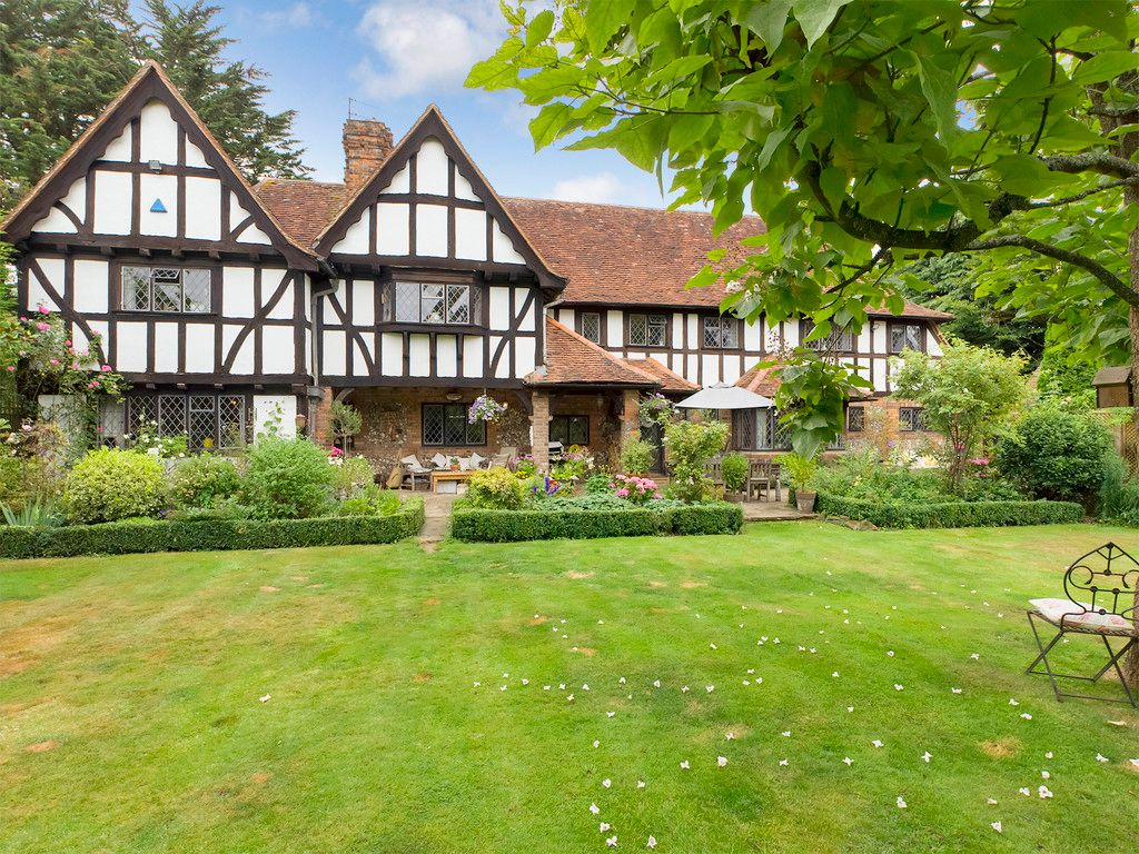 6 bed house for sale in Great Missenden, Buckinghamshire, HP16