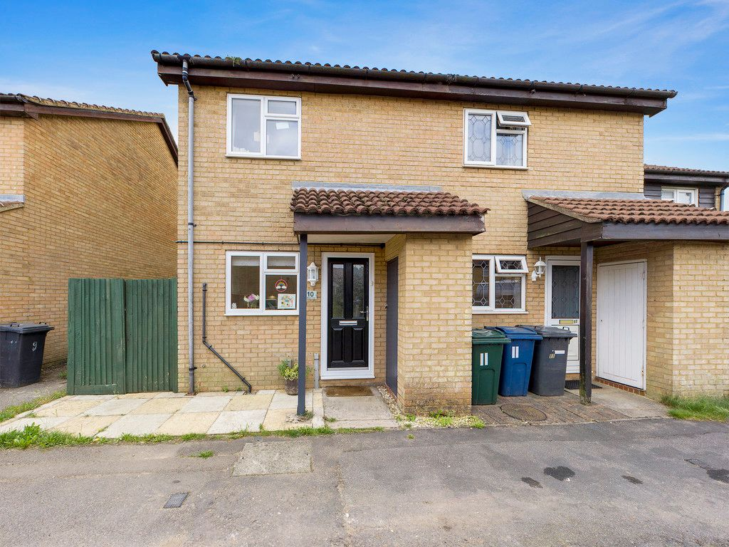 2 bed house for sale in Oldhouse Close, High Wycombe, HP11