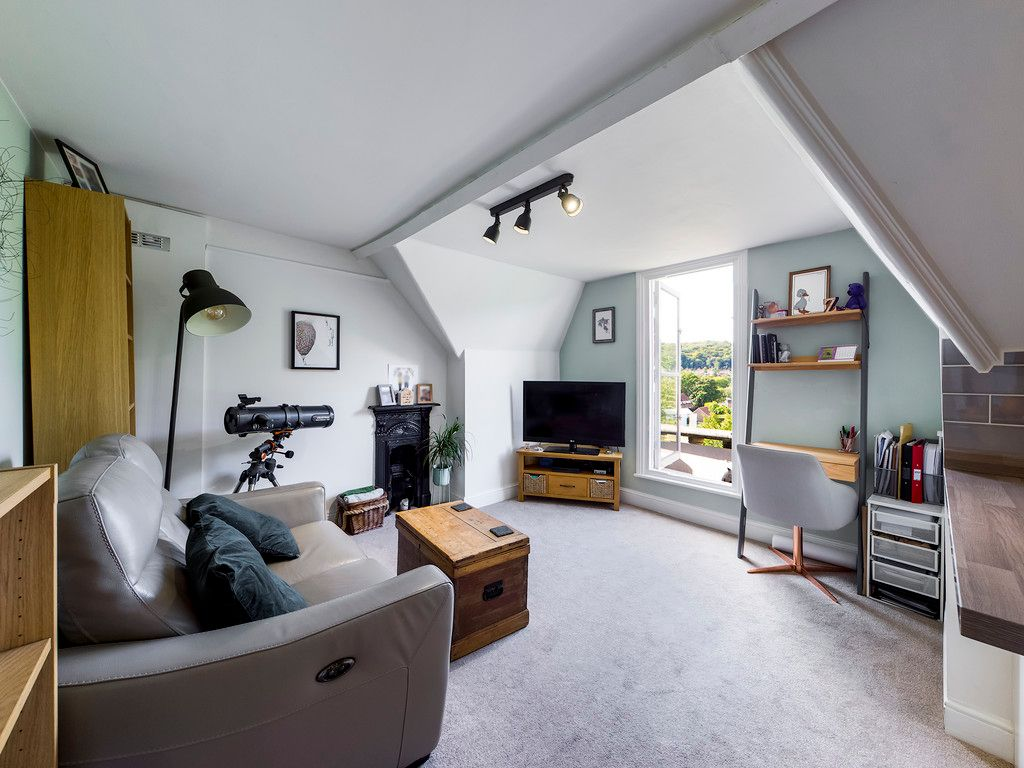 2 bed flat for sale in London Road, High Wycombe  - Property Image 13