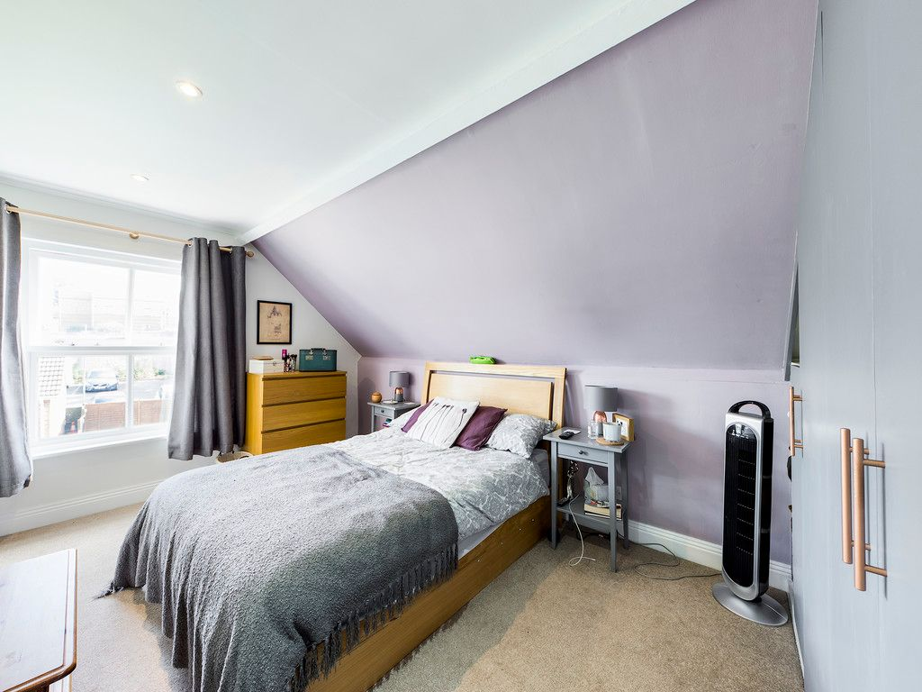 2 bed flat for sale in London Road, High Wycombe  - Property Image 6
