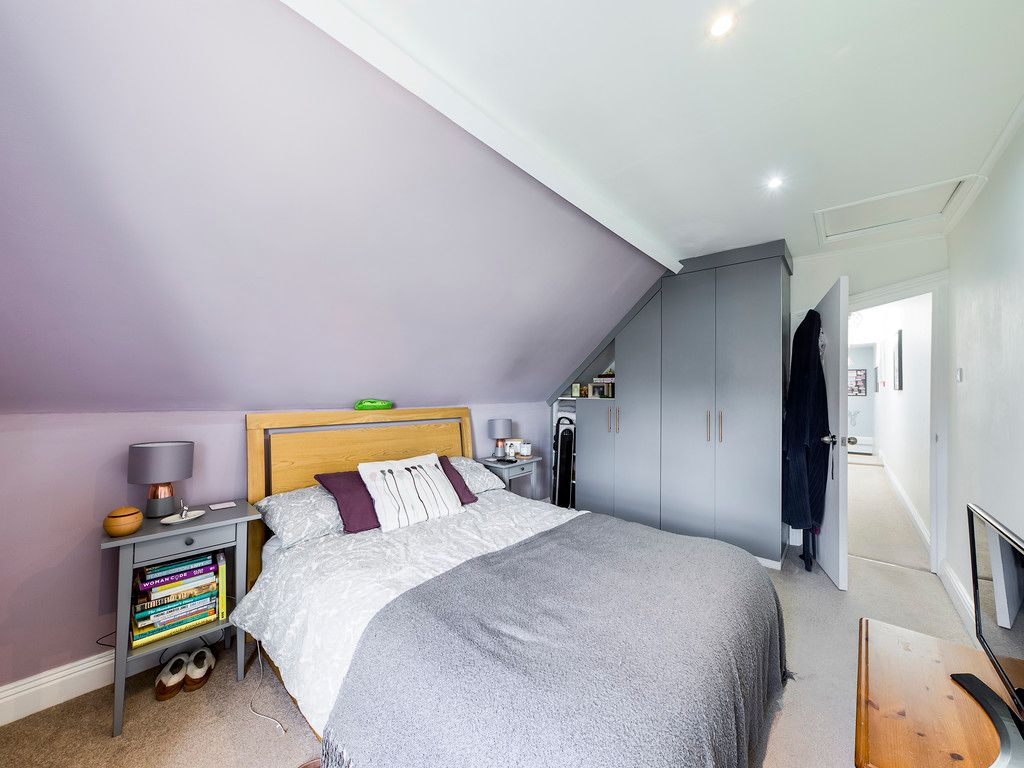 2 bed flat for sale in London Road, High Wycombe  - Property Image 7