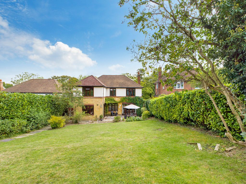 4 bed house for sale in Tennyson Road, High Wycombe  - Property Image 12