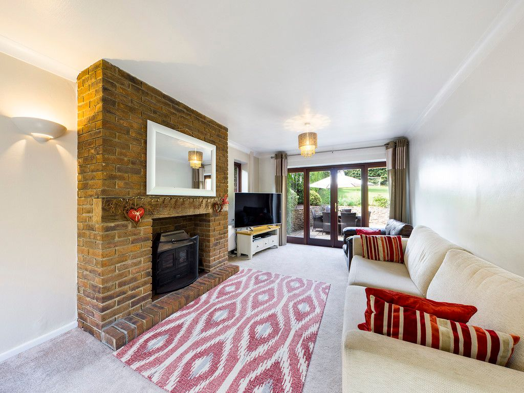 4 bed house for sale in Tennyson Road, High Wycombe  - Property Image 4