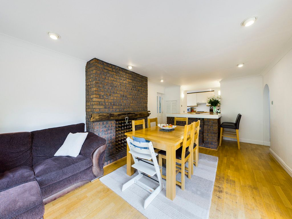 4 bed house for sale in Tennyson Road, High Wycombe  - Property Image 5