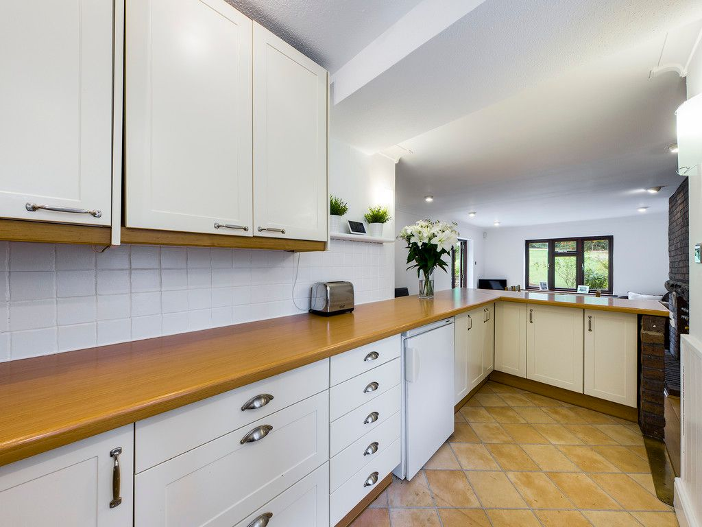 4 bed house for sale in Tennyson Road, High Wycombe 6