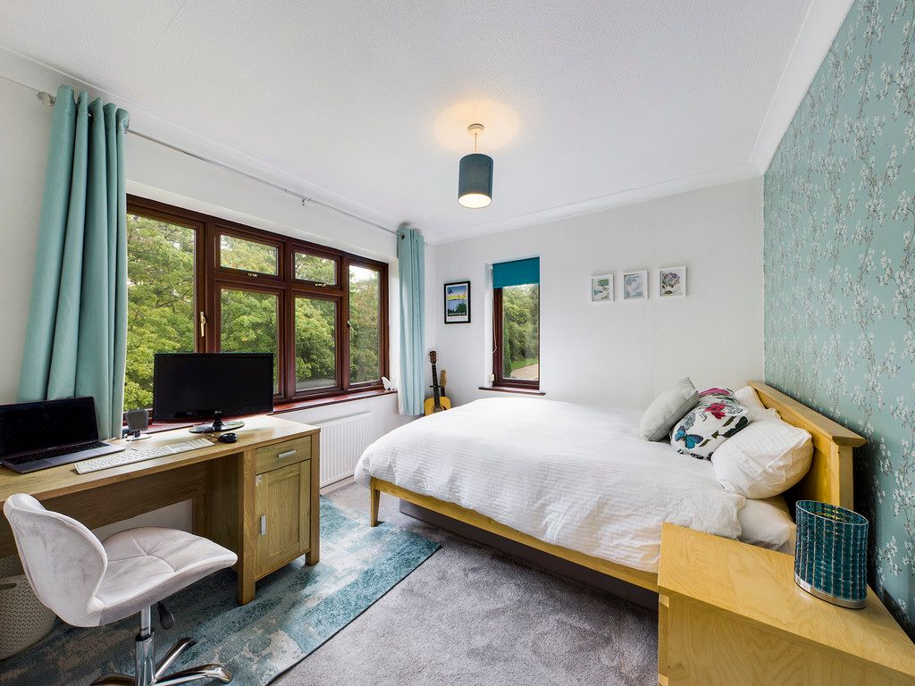 4 bed house for sale in Tennyson Road, High Wycombe  - Property Image 7