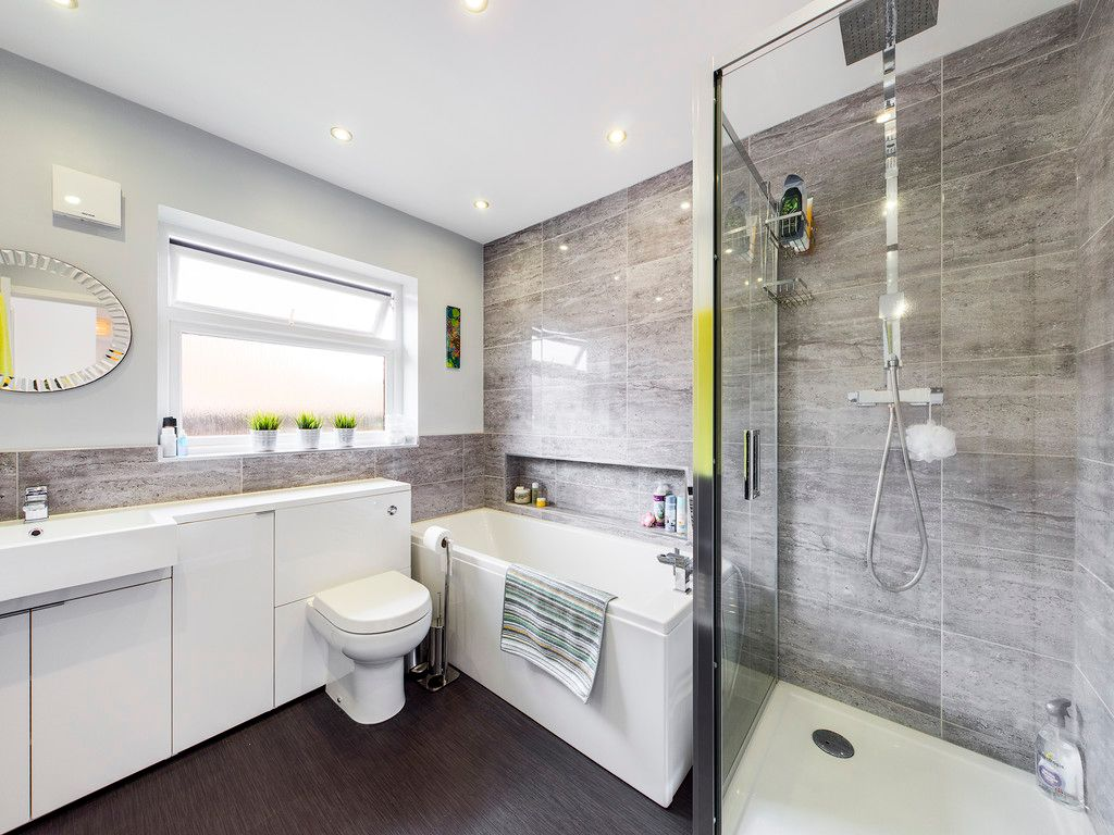 4 bed house for sale in Tennyson Road, High Wycombe  - Property Image 10
