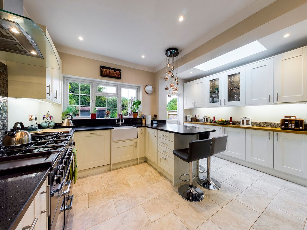 5 bed house for sale in Rushmoor Avenue, Hazlemere 13