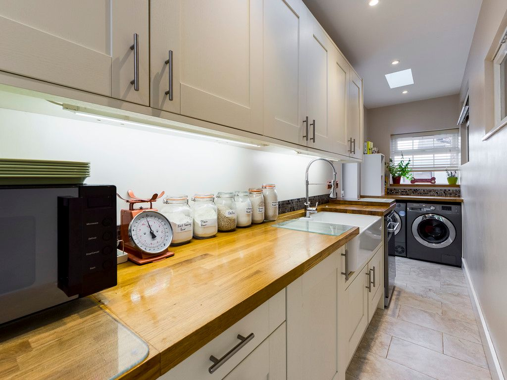 5 bed house for sale in Rushmoor Avenue, Hazlemere  - Property Image 15