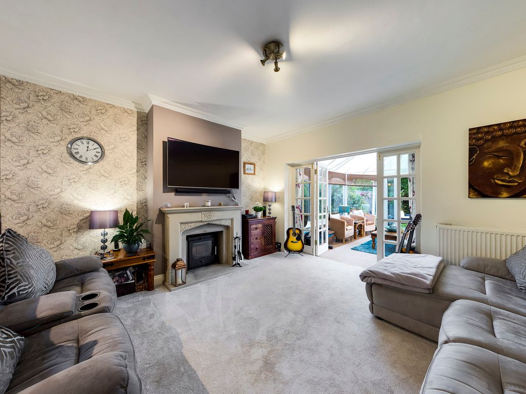 5 bed house for sale in Rushmoor Avenue, Hazlemere  - Property Image 9