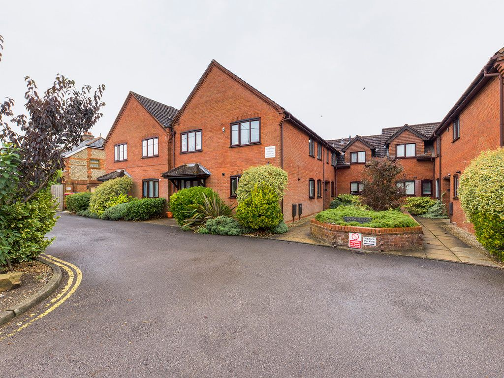 2 bed flat for sale in Springfields, Penn, HP10