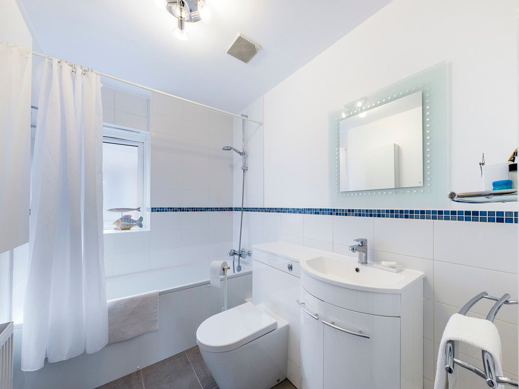 4 bed house for sale in Kingsmead Road, High Wycombe  - Property Image 14