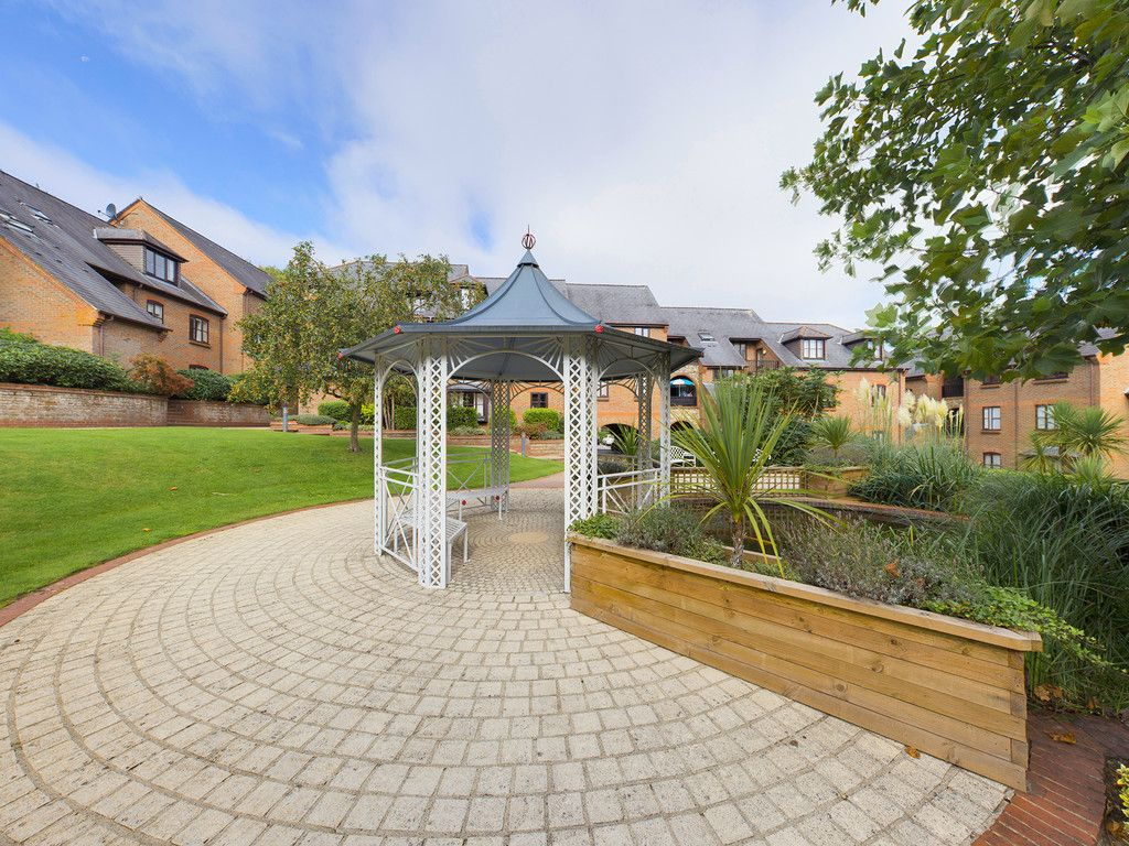 1 bed flat for sale in Kingsmead Road, High Wycombe  - Property Image 12