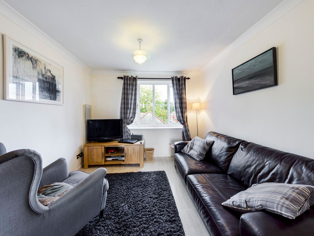 1 bed flat for sale in Kingsmead Road, High Wycombe 4