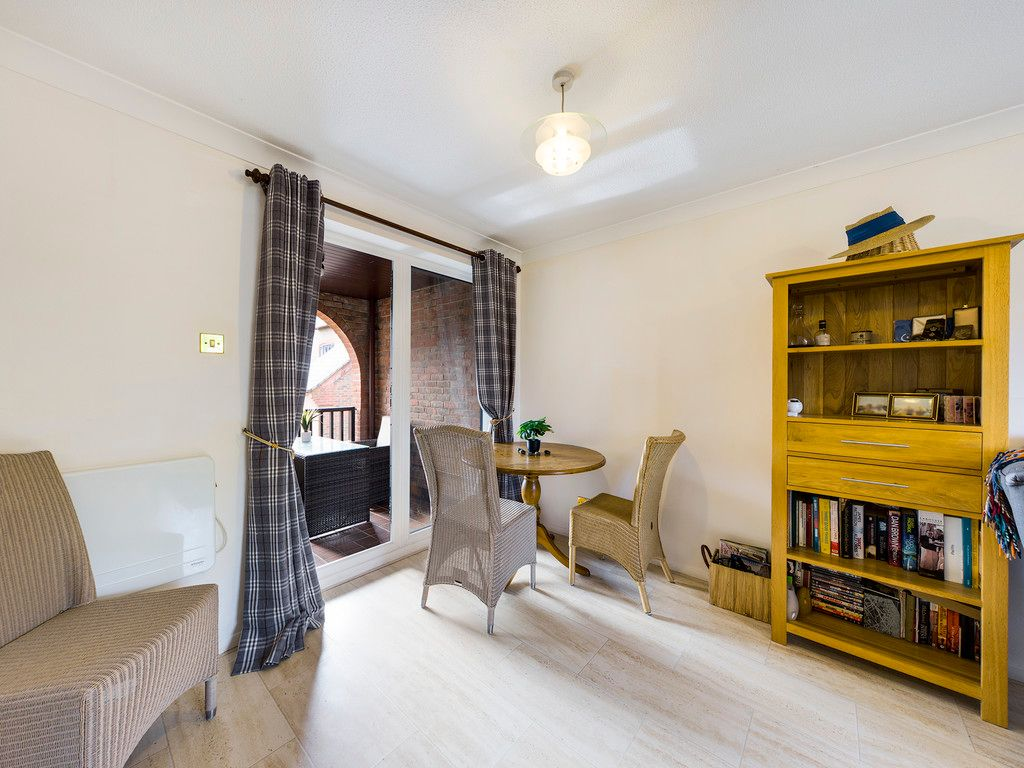 1 bed flat for sale in Kingsmead Road, High Wycombe  - Property Image 5