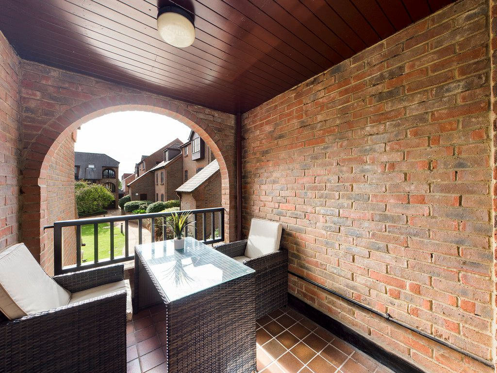 1 bed flat for sale in Kingsmead Road, High Wycombe 6