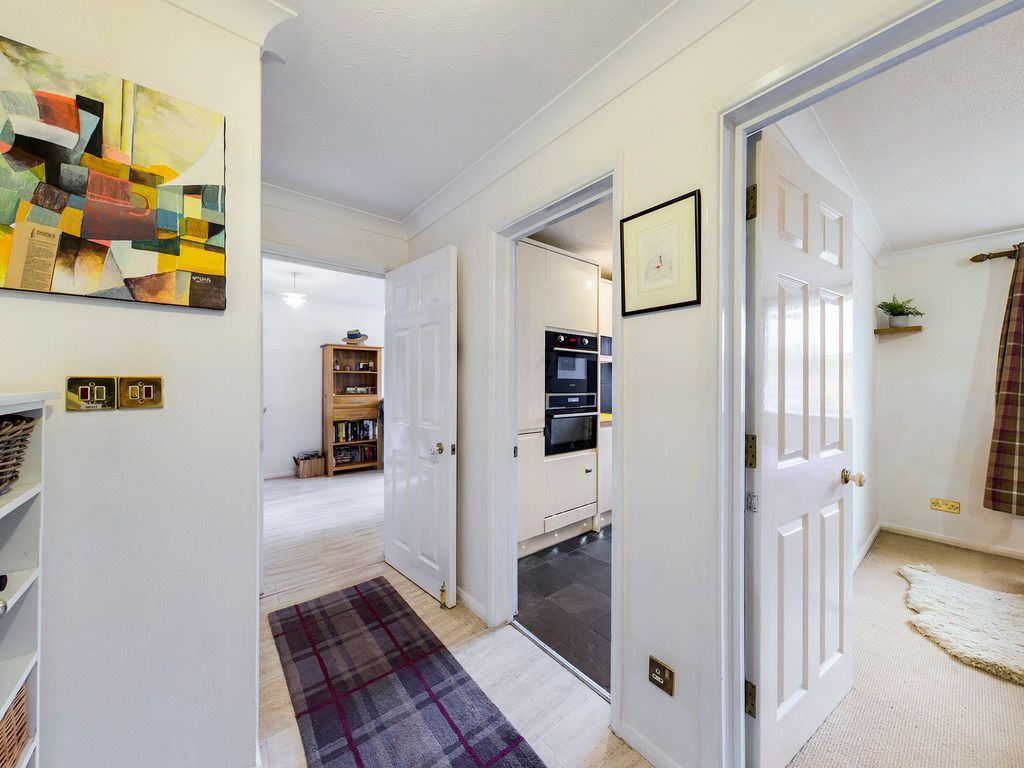 1 bed flat for sale in Kingsmead Road, High Wycombe  - Property Image 8