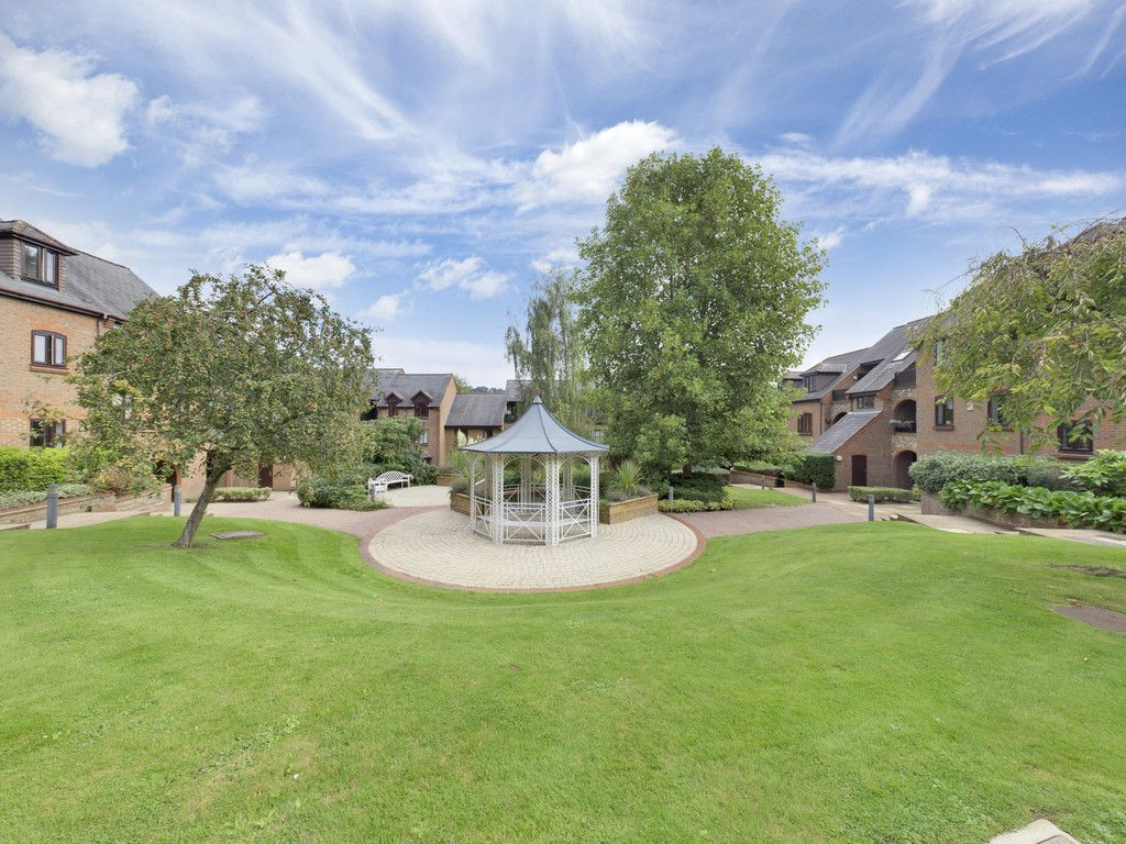 1 bed flat for sale in Kingsmead Road, High Wycombe  - Property Image 9