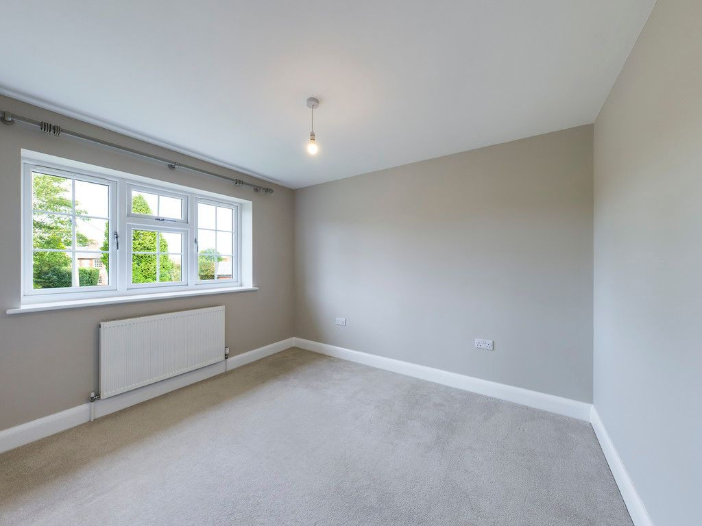 2 bed house to rent  - Property Image 7