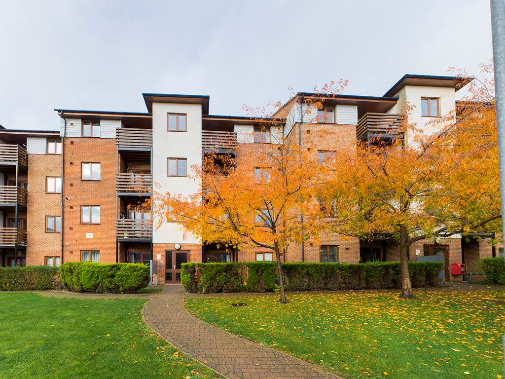 2 bed flat for sale in Vaughan House, John North Close, HP11