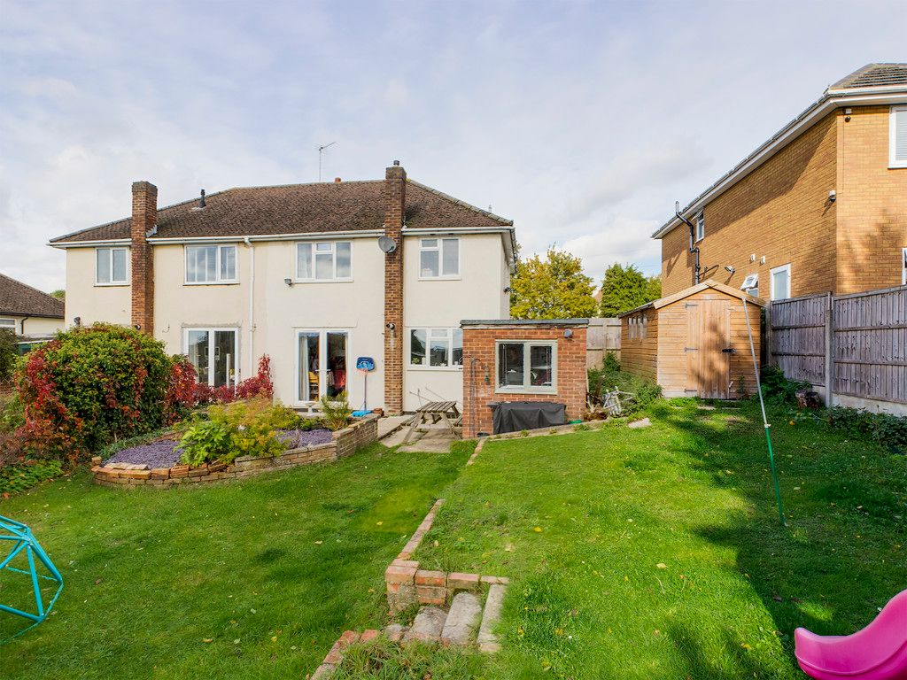 3 bed house for sale in Wingate Avenue, High Wycombe 3