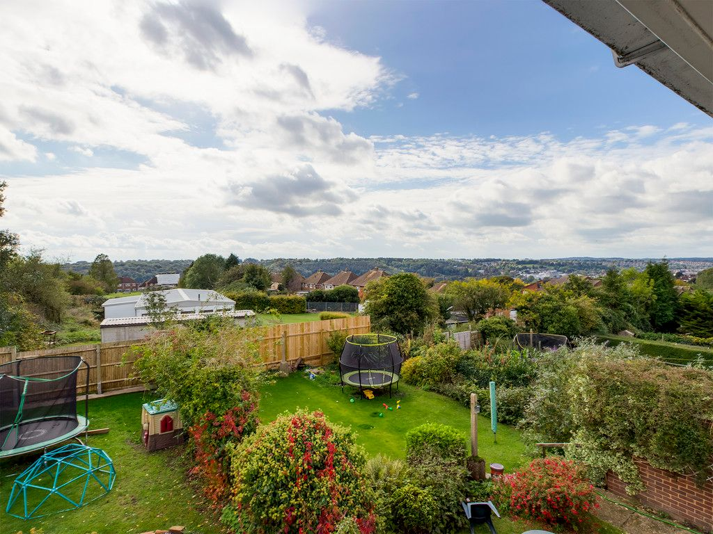 3 bed house for sale in Wingate Avenue, High Wycombe 4