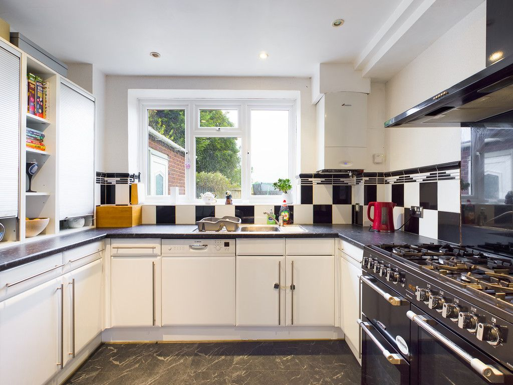 3 bed house for sale in Wingate Avenue, High Wycombe 7