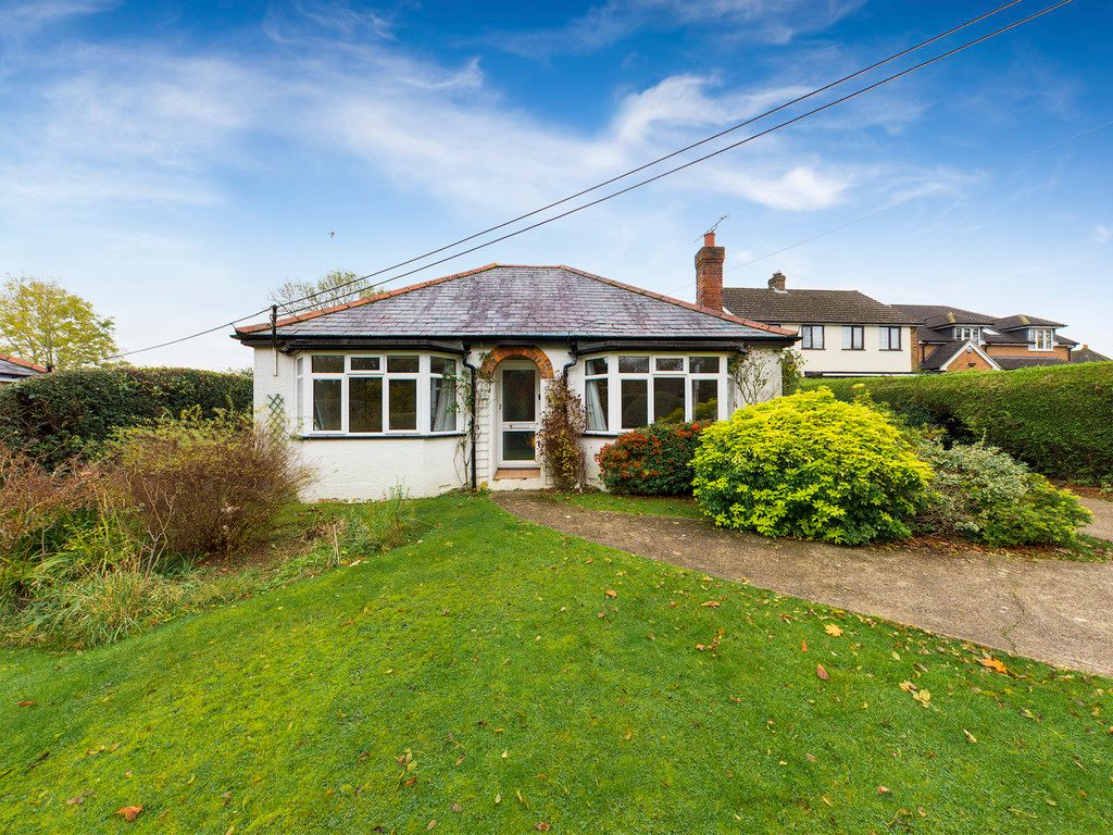 3 bed bungalow to rent  - Property Image 1