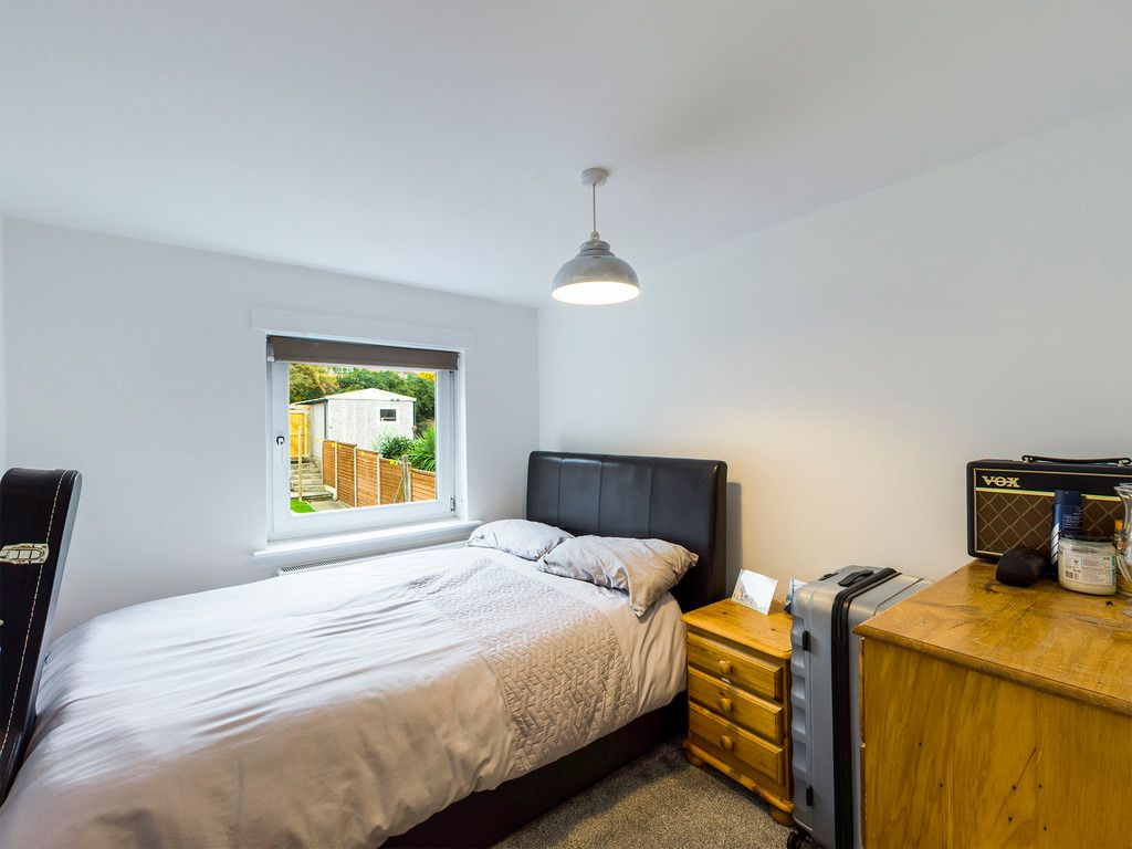 3 bed house for sale in London Road, High Wycombe  - Property Image 11