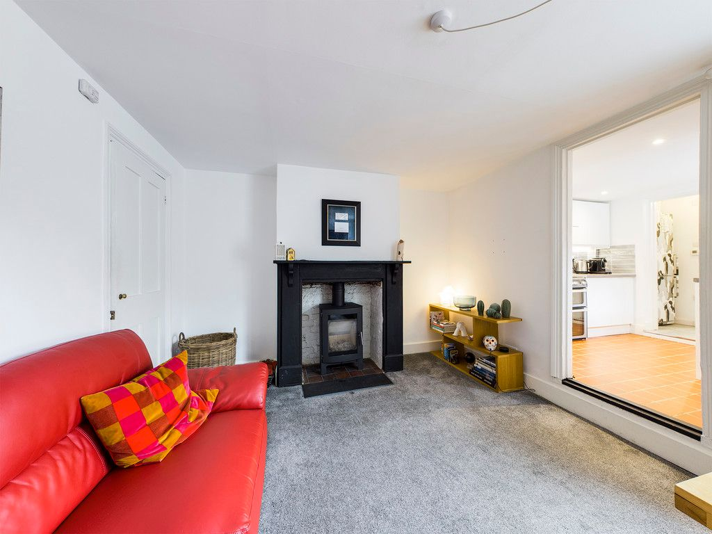 3 bed house for sale in London Road, High Wycombe  - Property Image 7