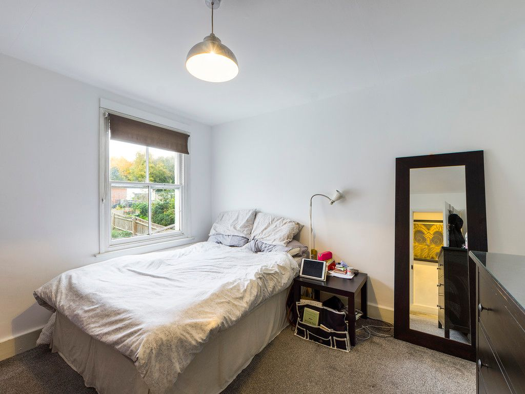 3 bed house for sale in London Road, High Wycombe  - Property Image 10