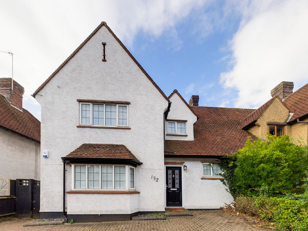 3 bed house to rent in London Road, High Wycombe  - Property Image 1