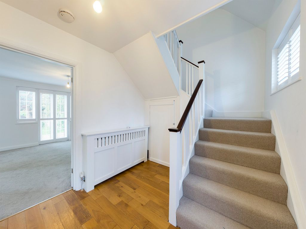 3 bed house to rent in London Road, High Wycombe  - Property Image 2