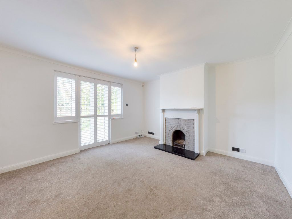 3 bed house to rent in London Road, High Wycombe  - Property Image 4