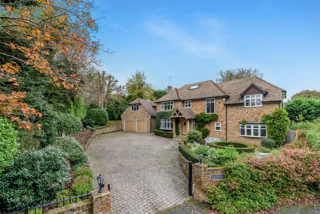 5 bed house for sale in The Woodlands, Penn  - Property Image 1