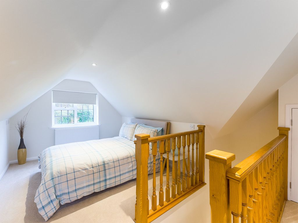 5 bed house for sale in The Woodlands, Penn  - Property Image 11