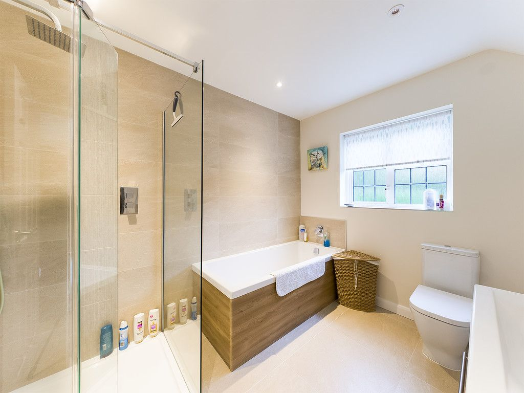 5 bed house for sale in The Woodlands, Penn  - Property Image 12
