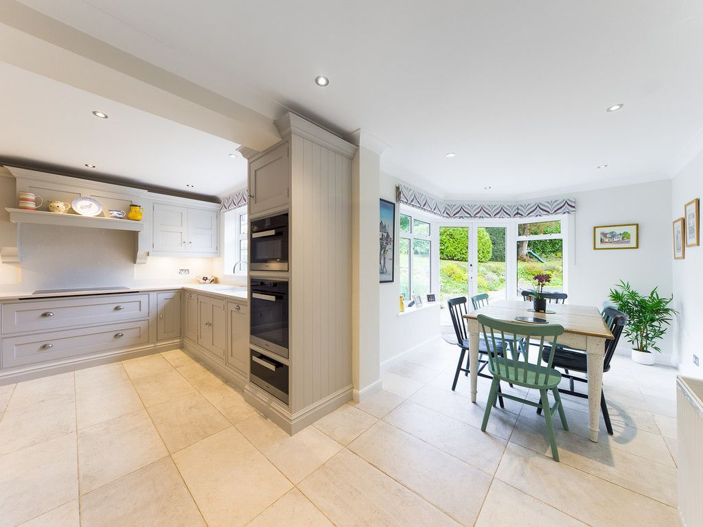 5 bed house for sale in The Woodlands, Penn  - Property Image 14