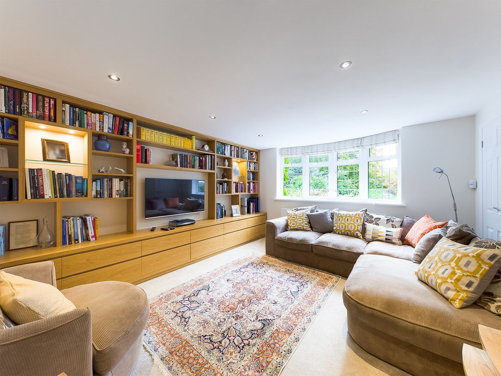 5 bed house for sale in The Woodlands, Penn  - Property Image 6