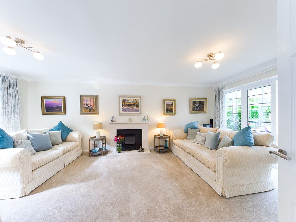 5 bed house for sale in The Woodlands, Penn  - Property Image 7