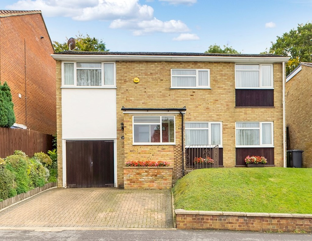 4 bed house for sale in Green Hill, High Wycombe, HP13