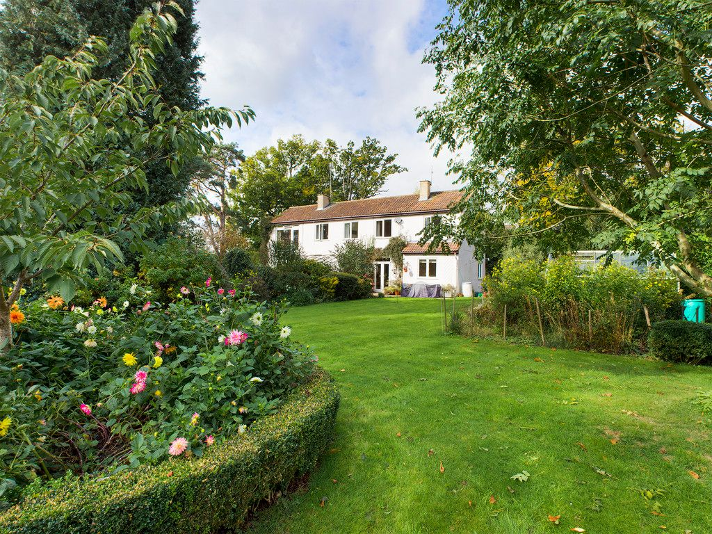 5 bed house for sale in Wycombe Road, Prestwood - Property Image 1