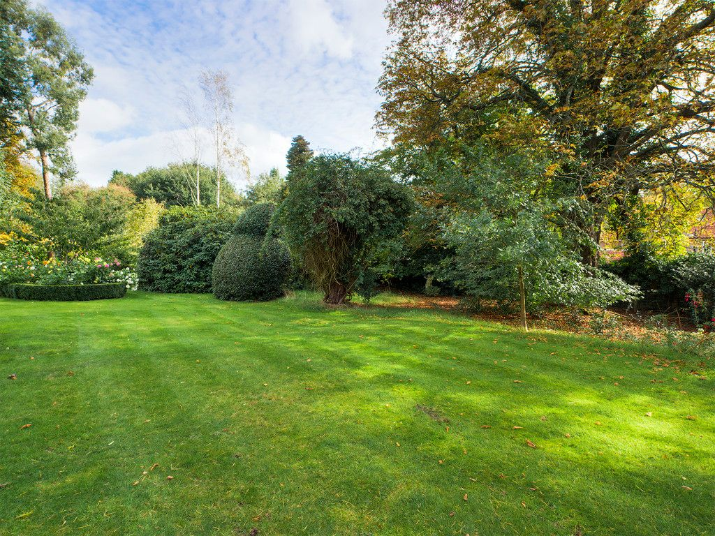 5 bed house for sale in Wycombe Road, Prestwood  - Property Image 13