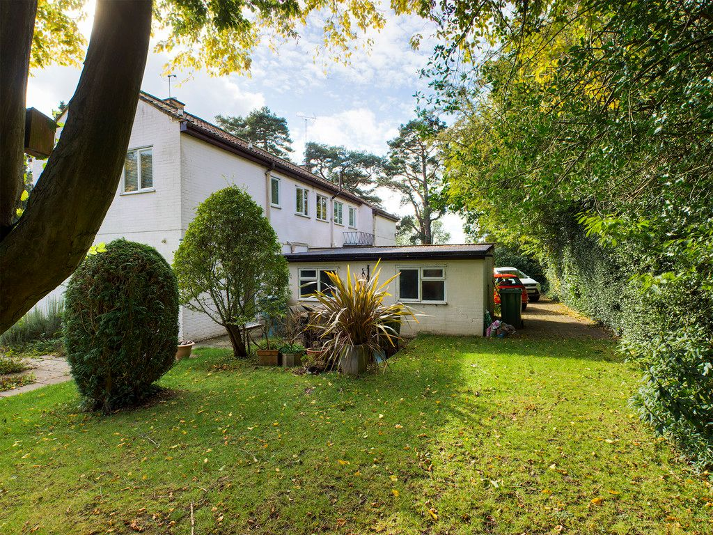 5 bed house for sale in Wycombe Road, Prestwood 3