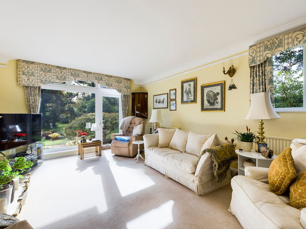 5 bed house for sale in Wycombe Road, Prestwood 5